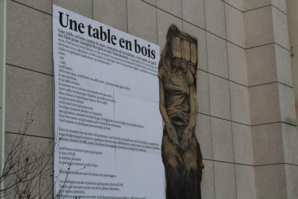 Une table en bois, Cité du Grand-Parc, Bordeaux
