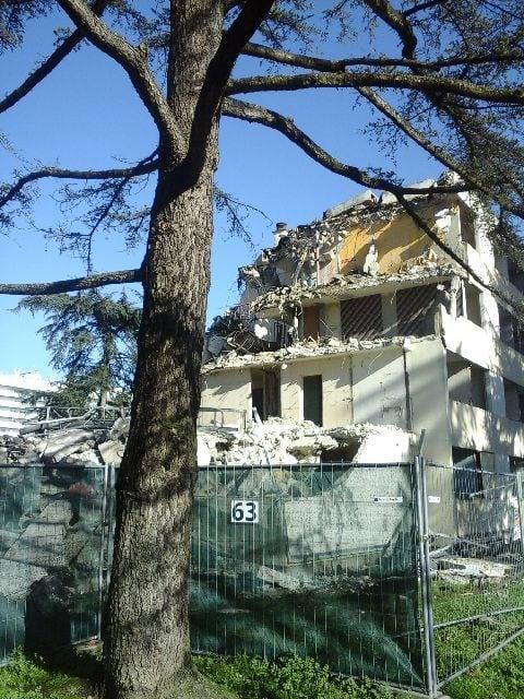 démolition de mon bâtiment, résidence Offenbach, cité du Grand Parc, Bordeaux, nathalie man