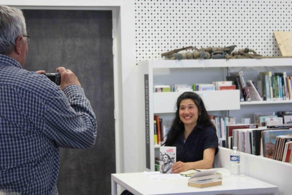 Nathalie Man lit Orwell à Montjean sur Loire